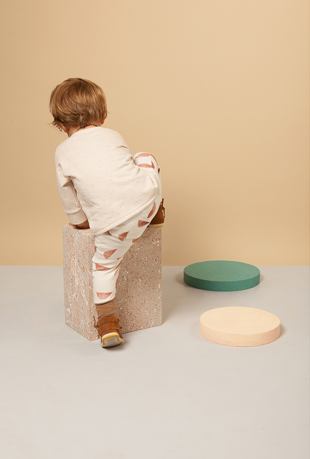 Set design for toddler clothes by Akatre design studio, Paris