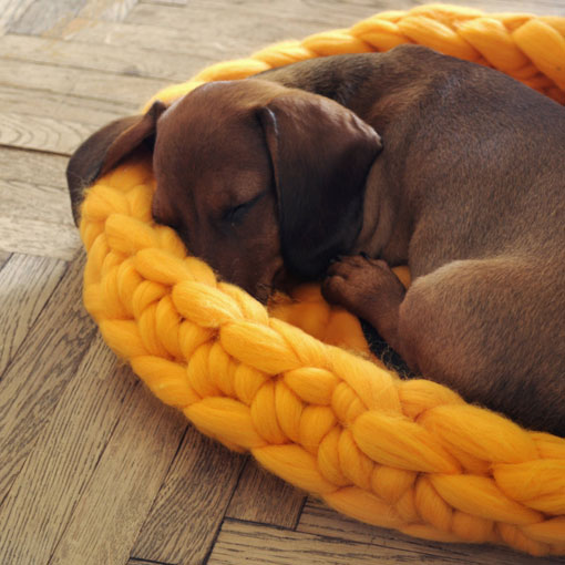Super chunky knitted Pet Bed for cats and dogs | Handknitted by Ohhio