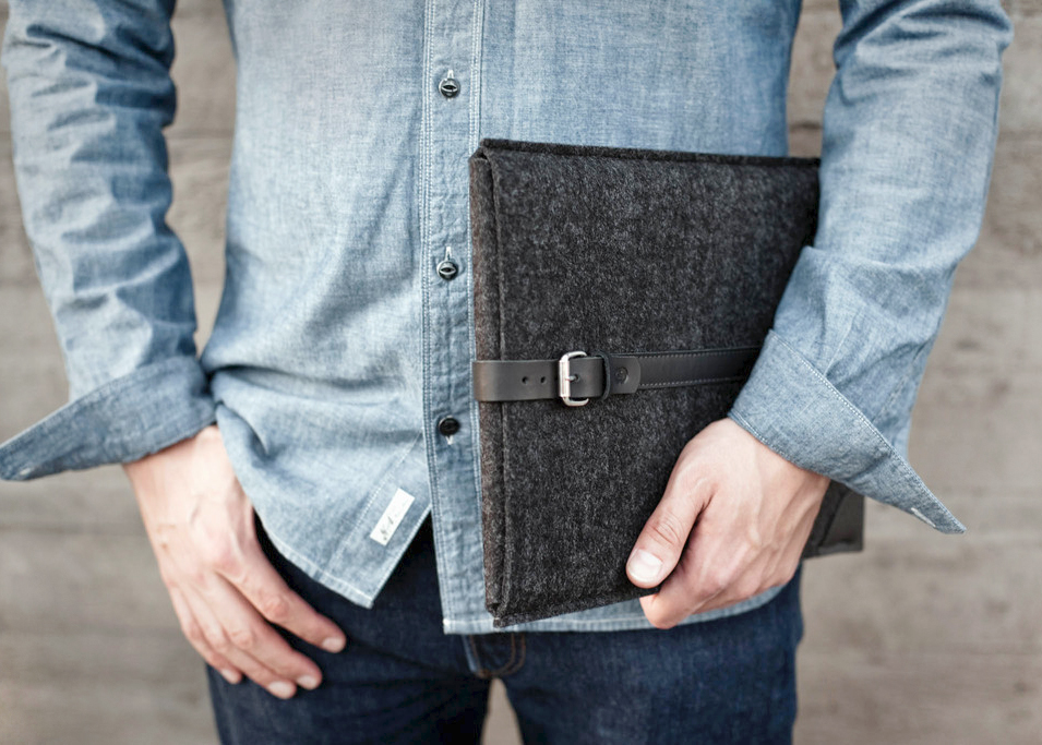 MacBook felt sleeve with leather belt | Cocones