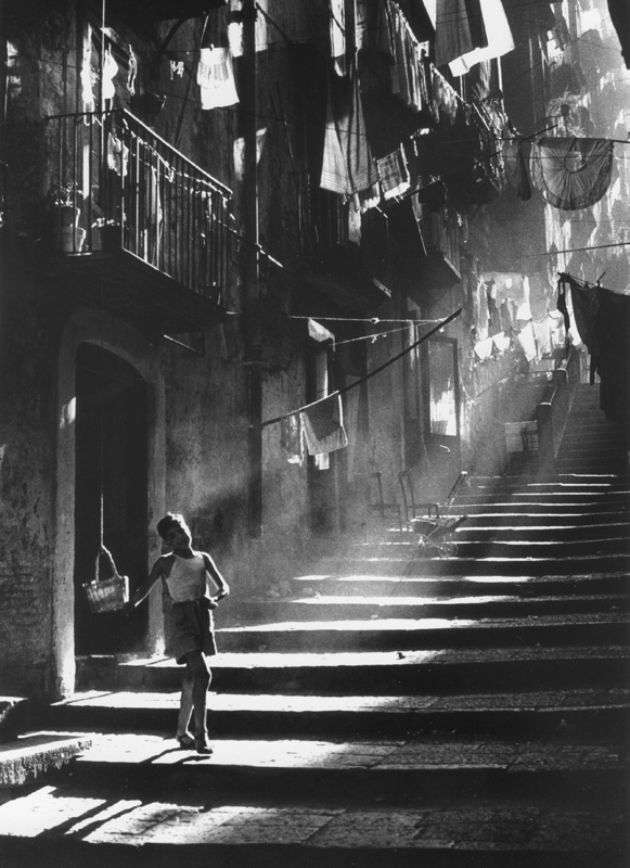 Piergiorgio Branzi | Bambino a Napoli 1953 | Black & White Photography