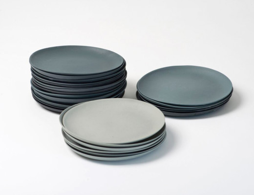 Ceramic plates handmade in Switzerland by Golden Biscotti