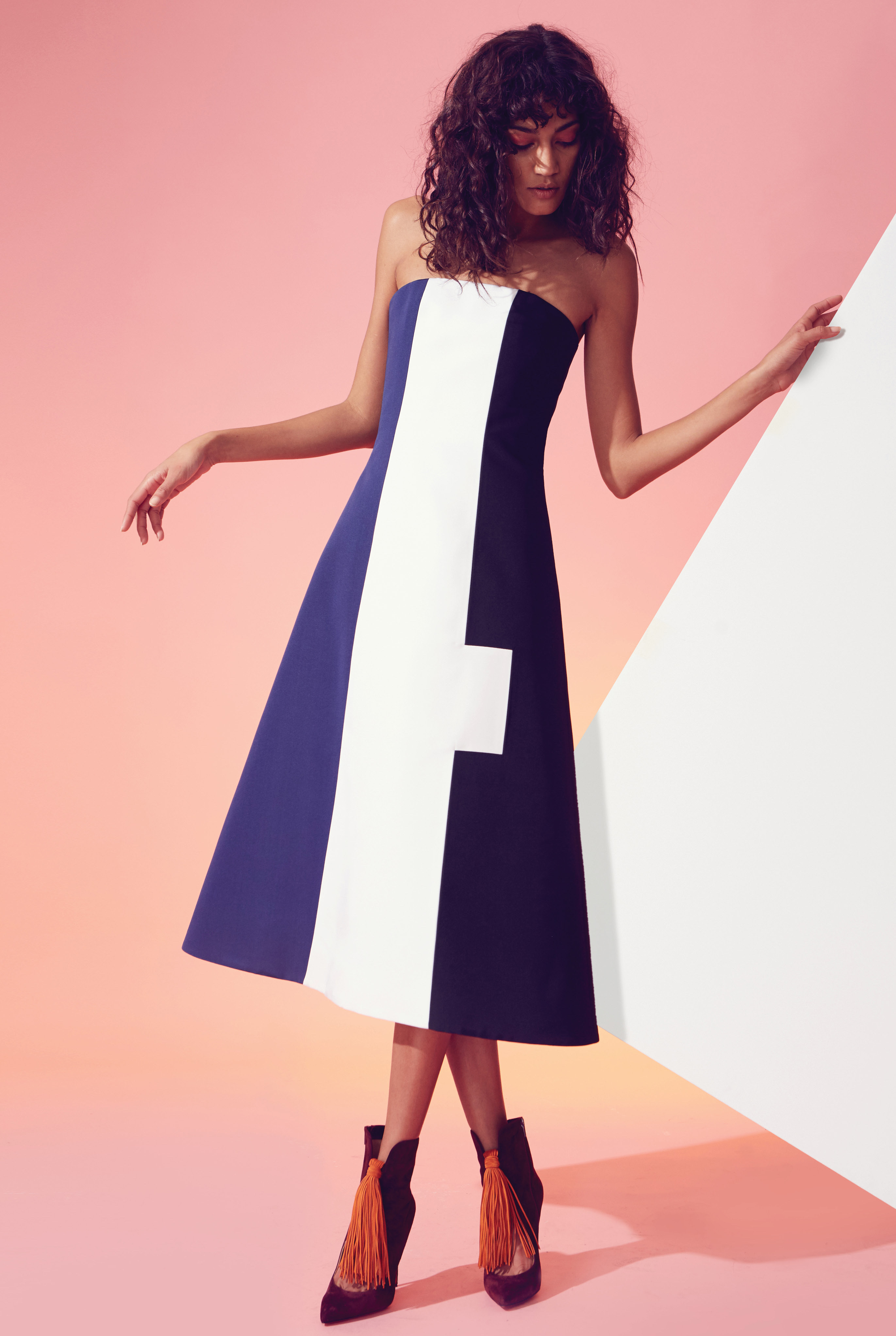 Novis – Clothing with vibrant colors and bold shapes, cuts and graphical elements.