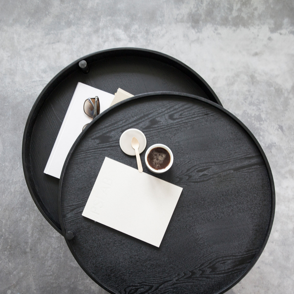 Turning Table by Menu | black wood
