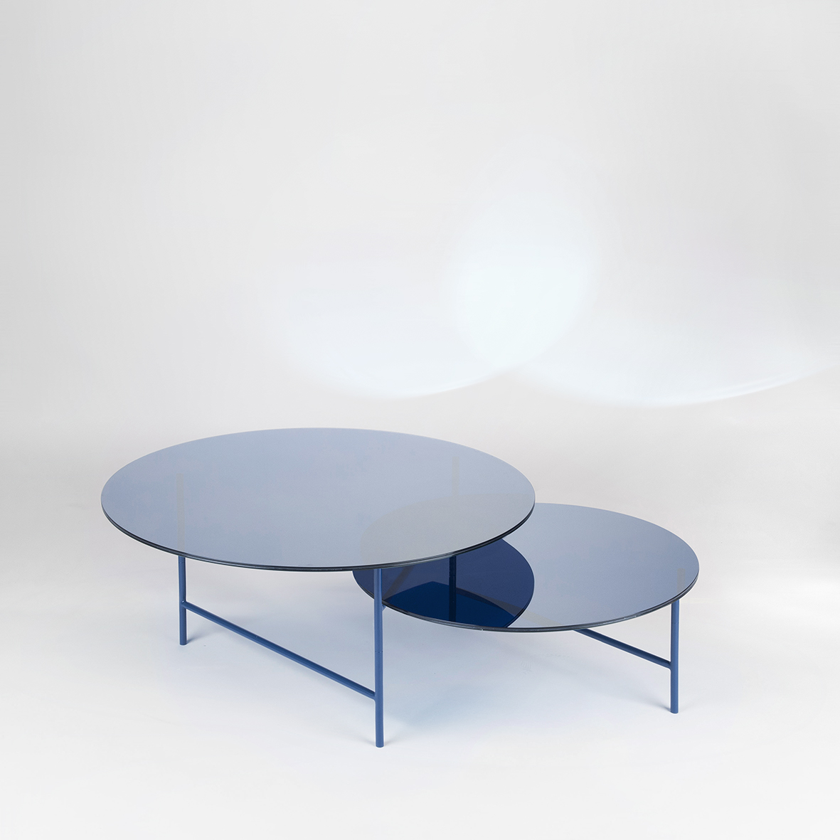 Zorro glas side table in blue