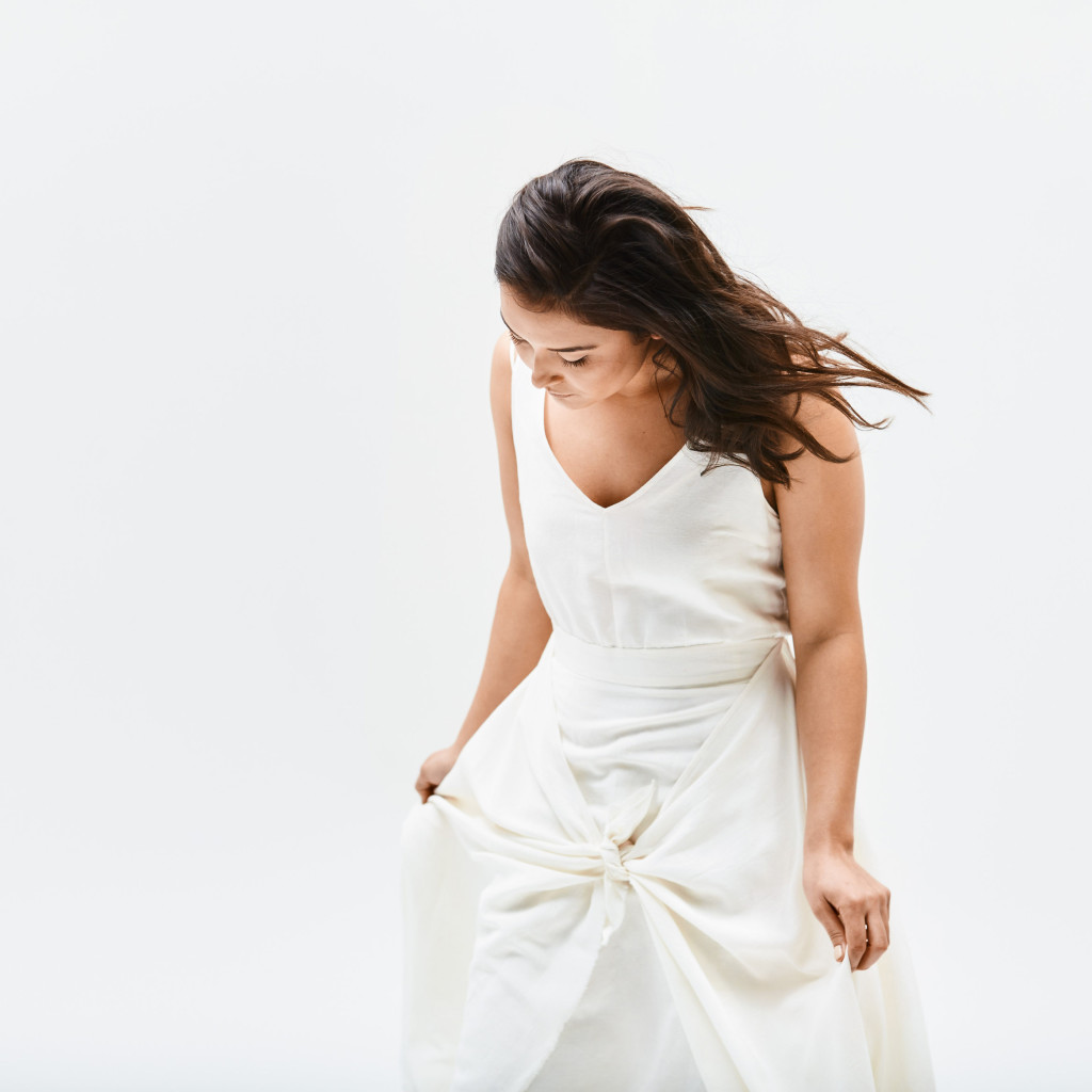 Simple wedding dress with a knot by HDH