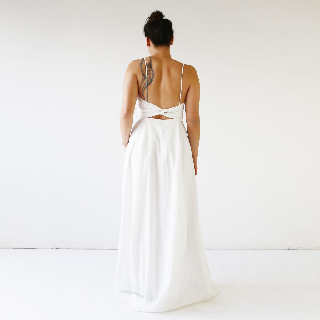 Minimalistic wedding dress by HDH