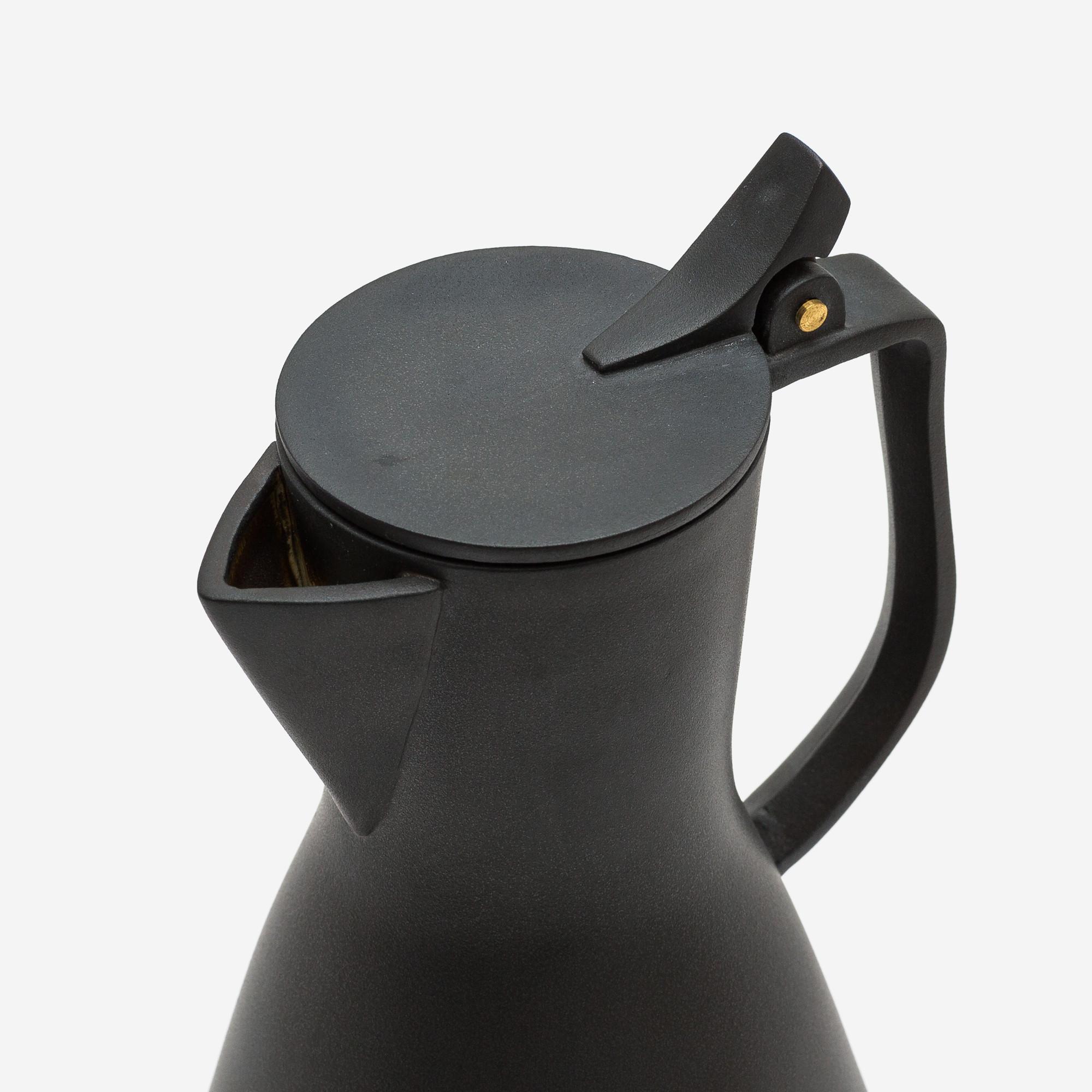 Kirstie Van Noort | Tea Pot Detail