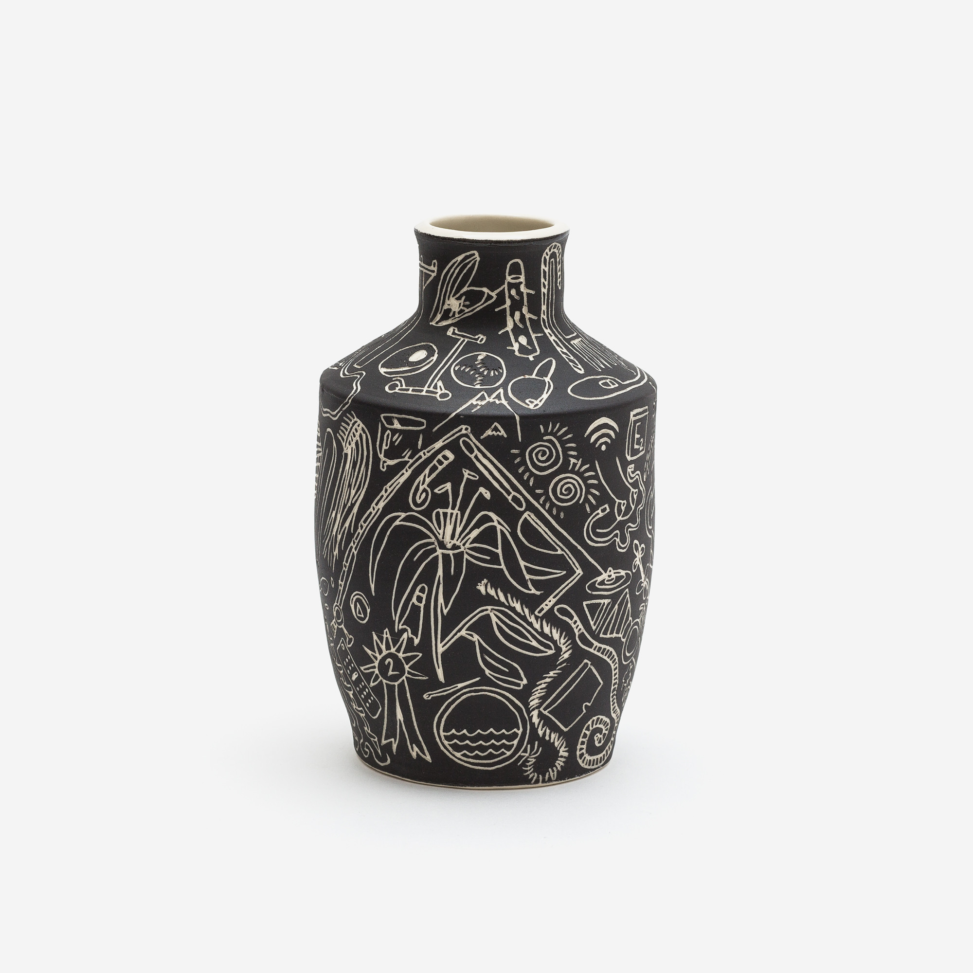 Dana Bechert | Vase with ancient greek style