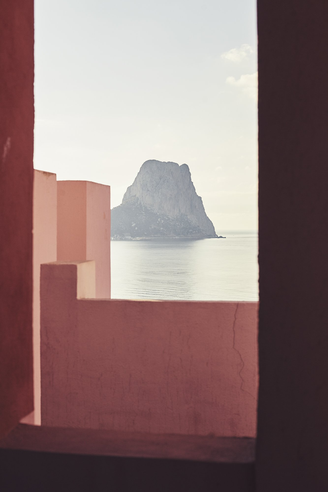 La Muralla Roja | Colors in Architecture