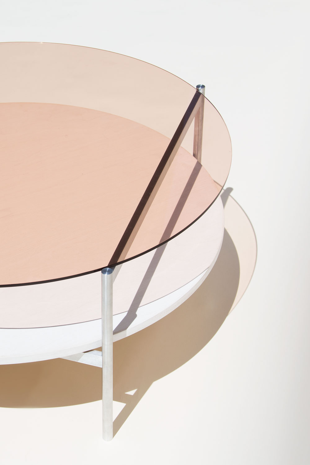 Yield | rose glas table