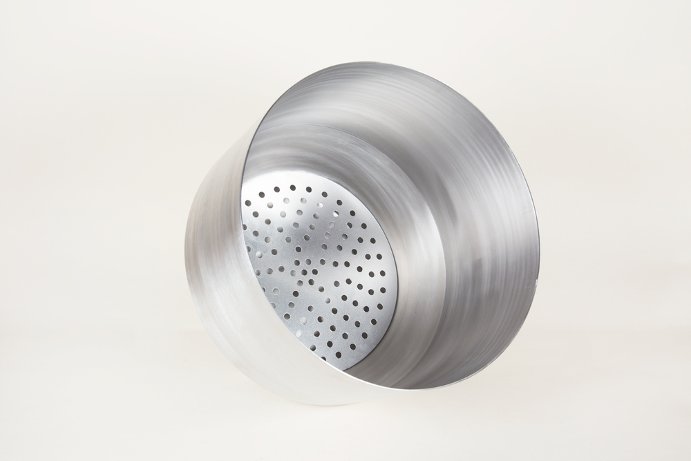 Silver aluminium planter with water reservoir / drain hole