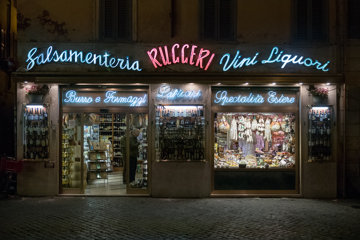 Italy by Night | Rucceri | Italian Store Signature